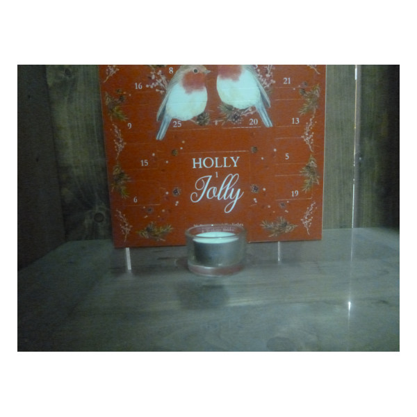 Wax Lyrical Holly Jolly tealight advent calendar3